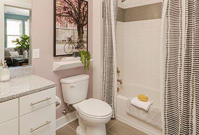 Bell Capitol Hill Apartments bathroom